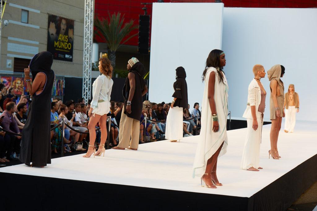 Sita thompson Kills the Fashion show